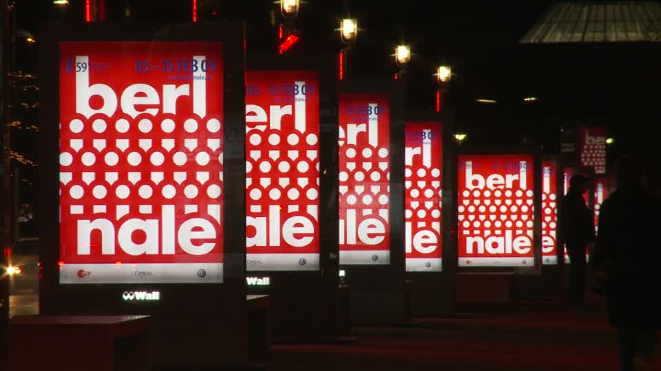 115424476-the-reader-city-light-poster-berlinale-exchanging